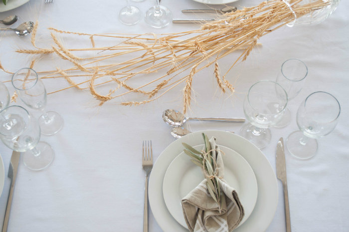 Table Setting and Centerpiece Ideas For Shavuot