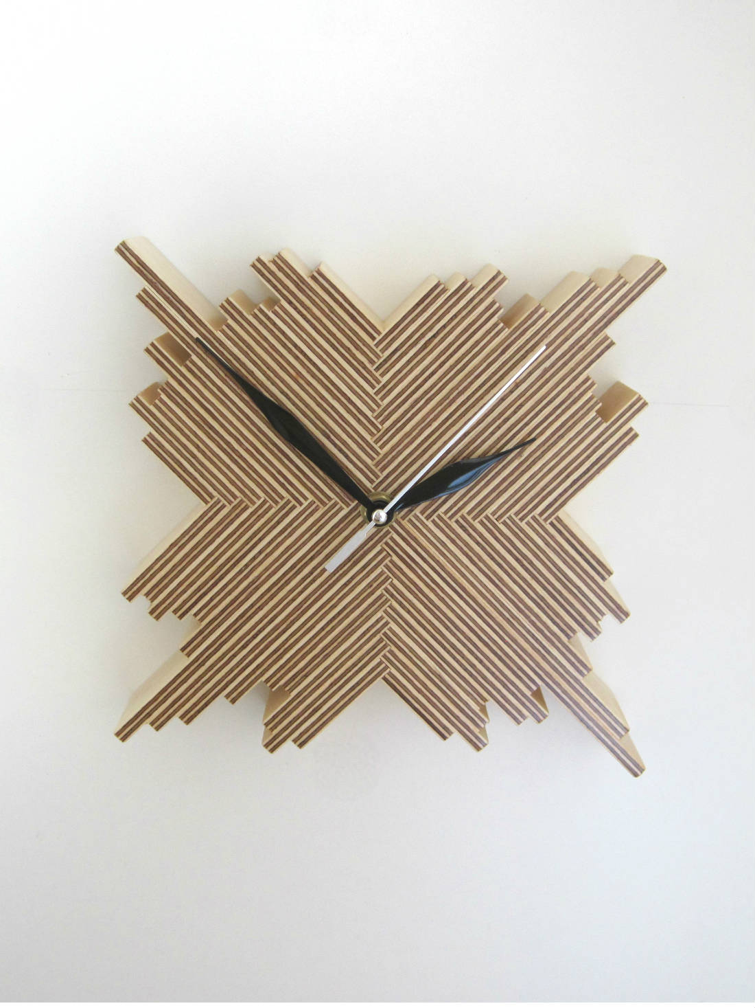 Cristallo Clock by Samuel Ansbacher for brightblueliving.com