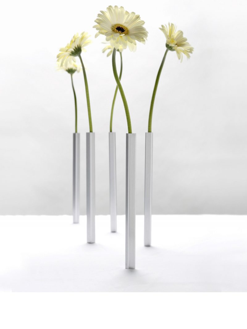 Magnetic Vase Set from brightblueliving.com