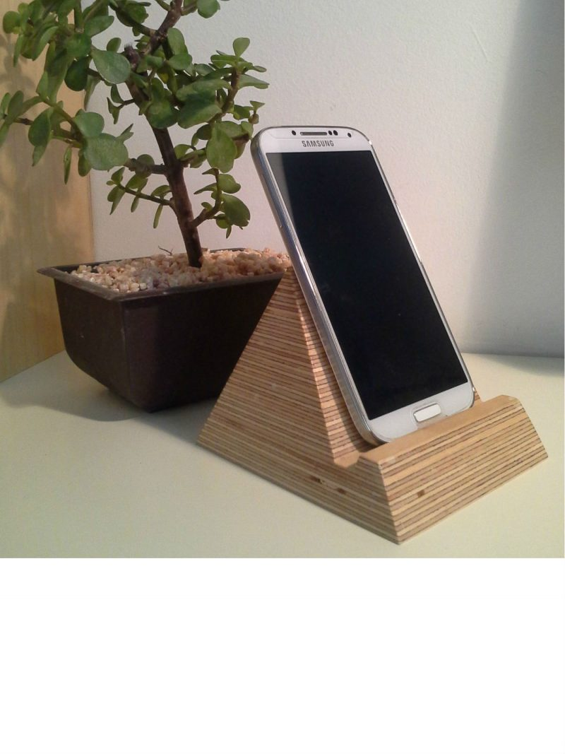 Pyramid Phone Holder from brightblueliving.com